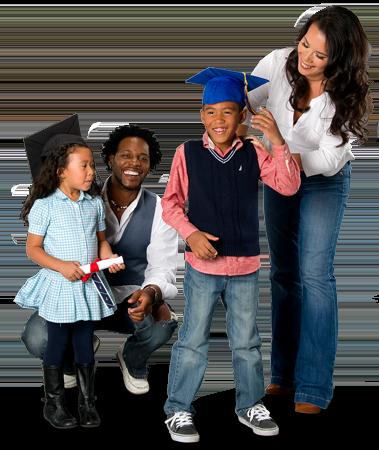 Famille avec enfants portant des mortiers